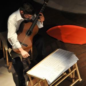 Ricardo Jamal toca Veneno