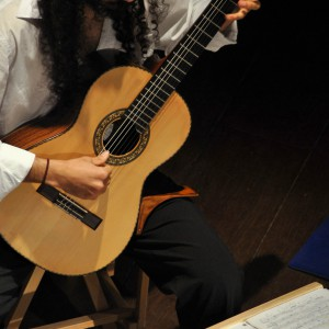 Stanley Levi toca Veneno